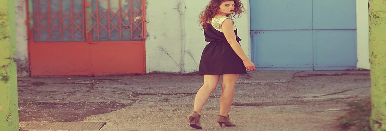 Cómo combinar zapatos de mujer marrones