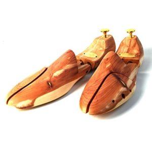 pernitos para zapatos de cedro