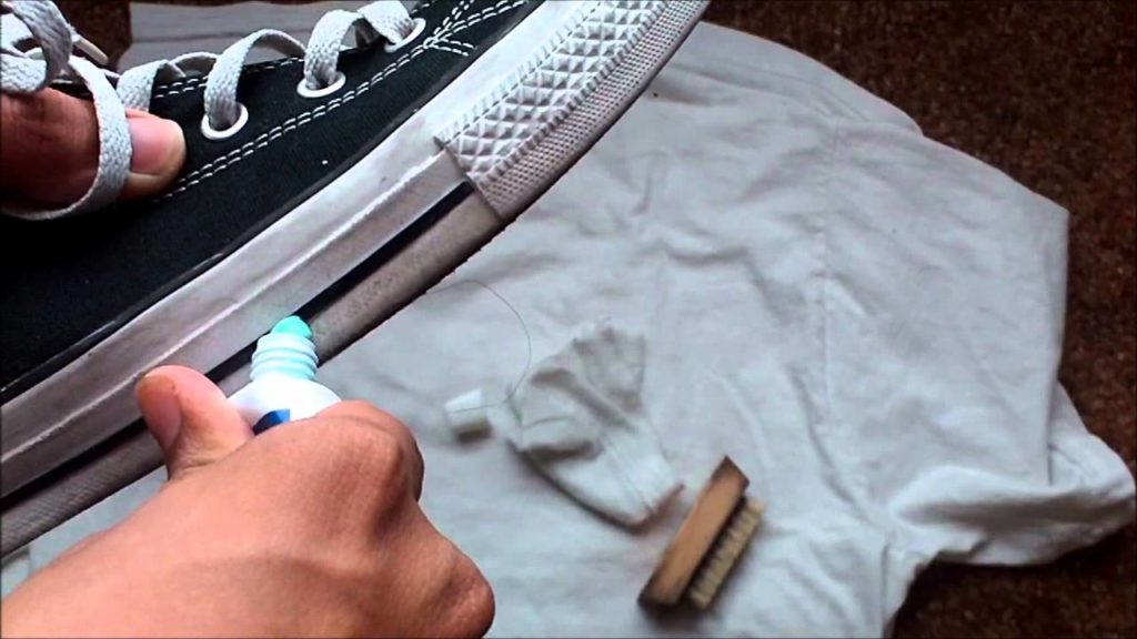 como limpiar suelas blancas