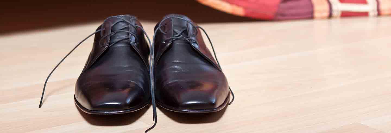 zapatos negros para el trabajo
