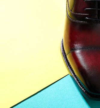 Zapatos color vino